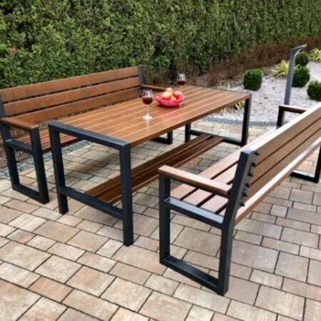 stół nowoczesny z ławkami