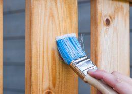 jak dbać o drewniane meble ogrodowe